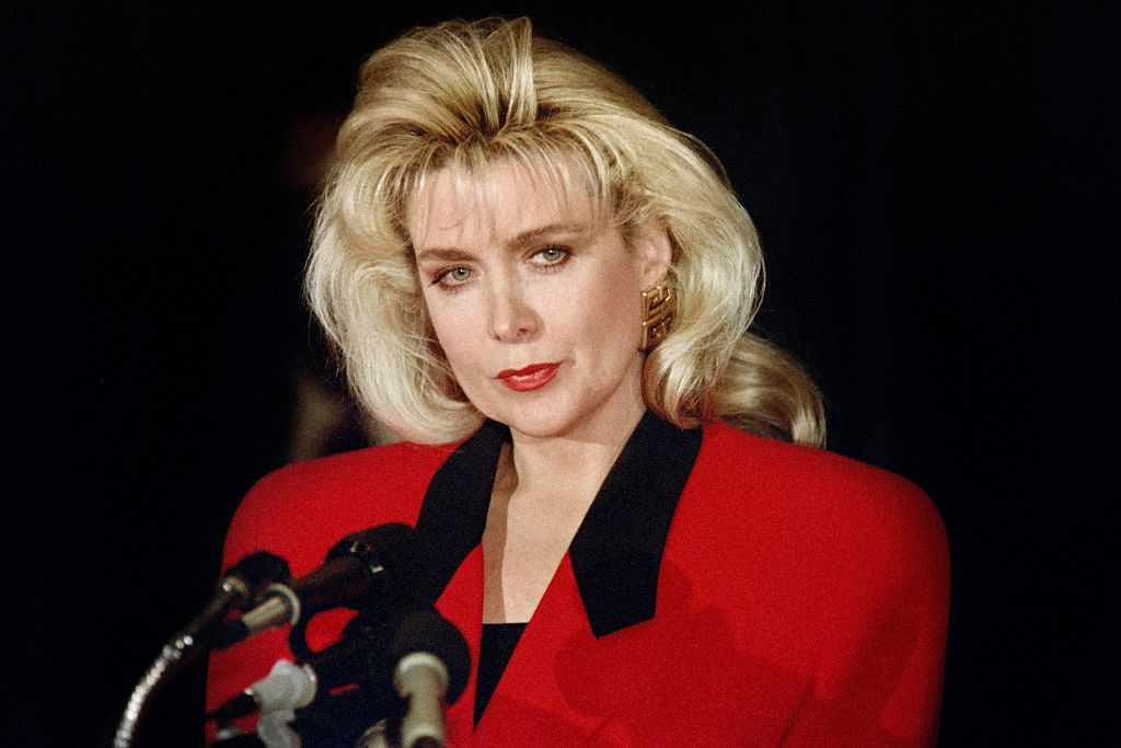 Gennifer Flowers holds a news conference on January 27, 1992 with her lawyer to say that she did have a 12-year affair with democratic presidential candidate Gov. Bill Clinton