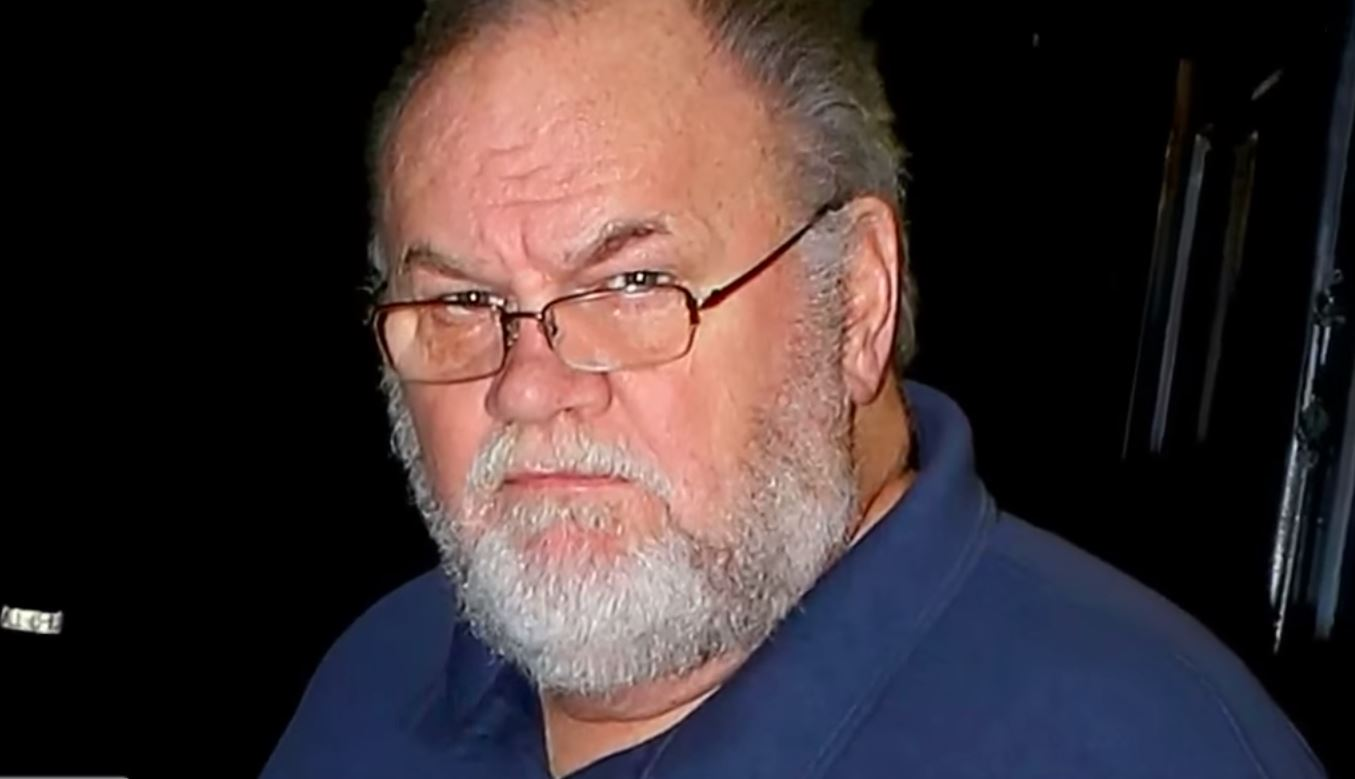 Thomas Markle Sr. wearing glasses in a photo.