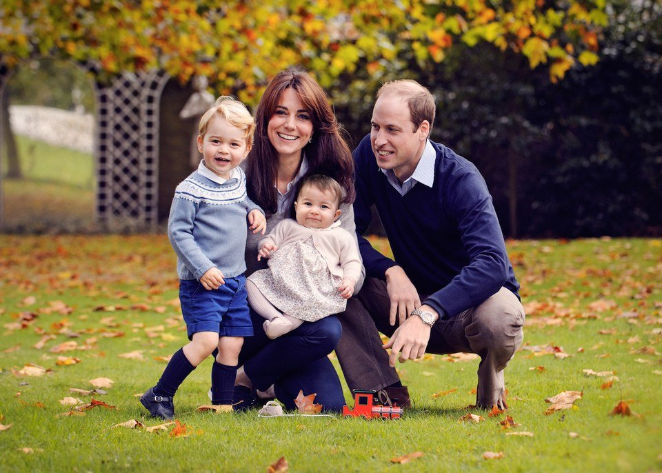 Prince George, Duchess Kate, Princess Catherine, and Prince William in the Royal Family Christmas Card 2015