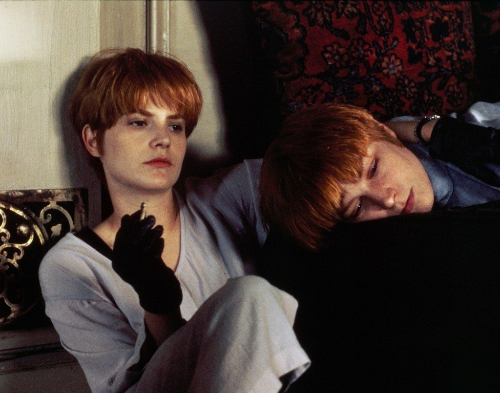 Bridget Fonda and Jennifer Jason Leigh in Single White Female