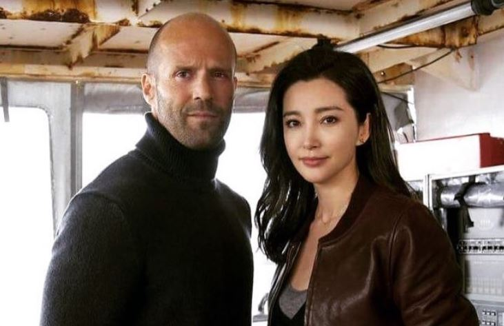 Jason Statham and Li Bingbing filming The Meg