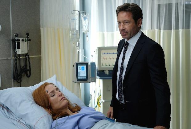 "Gillian Anderson and David Duchovny in the ""My Struggle III"" season premiere episode."