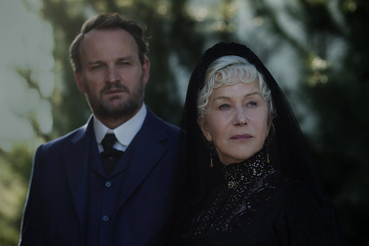 Helen Mirren and Jason Clarke in Winchester