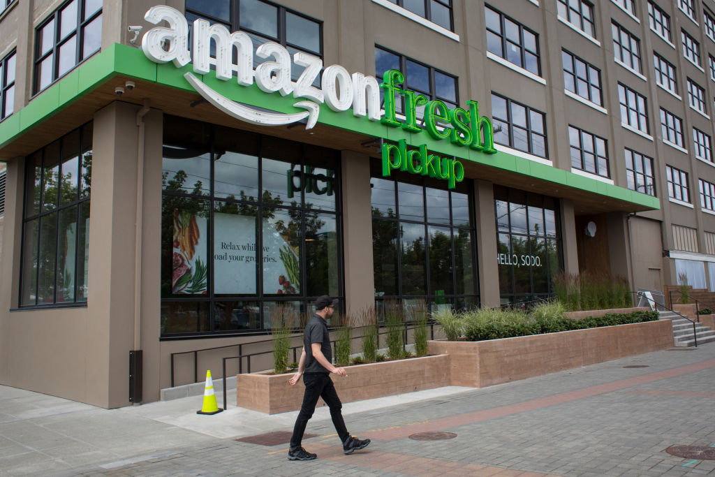 Walmart and Amazon Both Want Your Business, But Only 1 Offers You Cheaper Prices