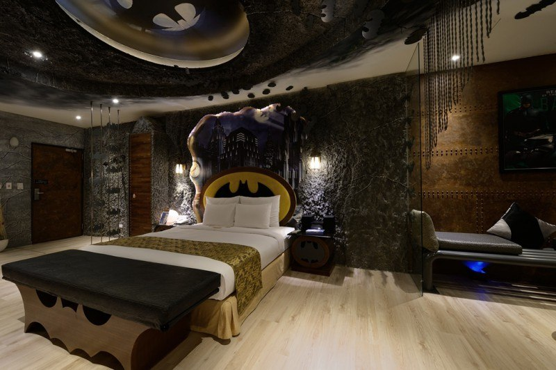 Eden Motel japan batman