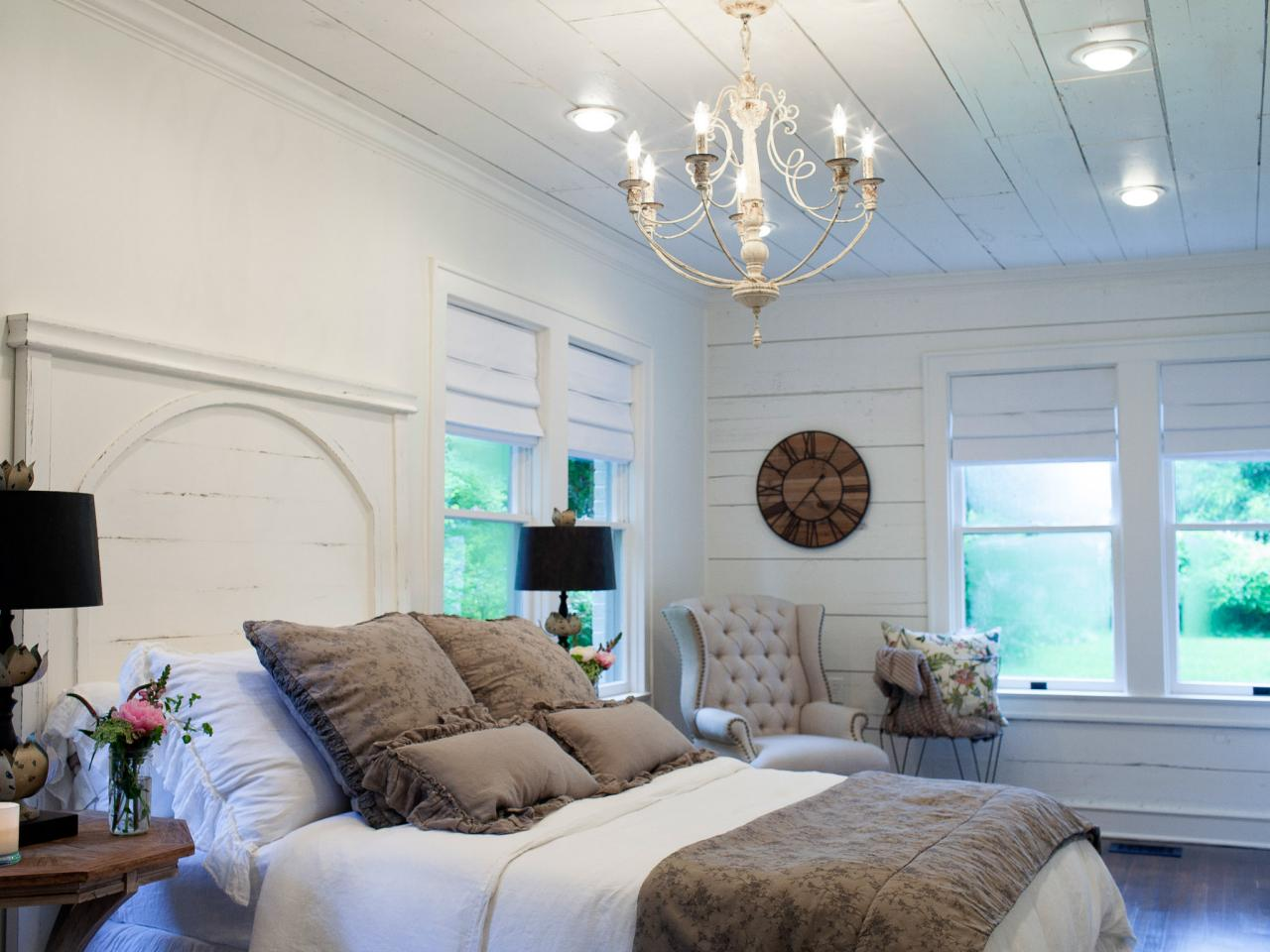 Fixer Upper white walls
