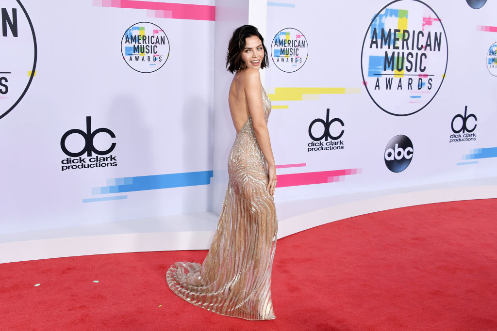 Jenna Dewan attends the 2017 American Music Awards at Microsoft Theater on November 19, 2017 in Los Angeles, California.