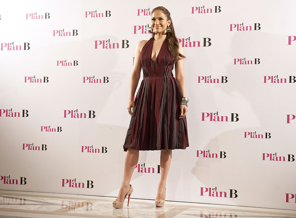 """US actress Jennifer Lopez arrives for the photocall of the movie """"The Back-up Plan"""" in Madrid, on April 27, 2010."""