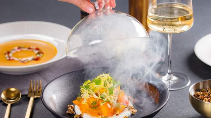 Gordon ramsay 39 s new restaurant dazzles on the las vegas strip - Gordon ramsay cuisine cool ...