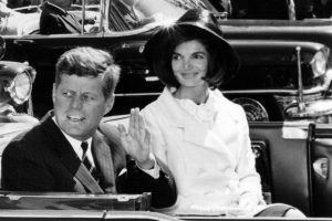 Did Jackie Kennedy Go to College?