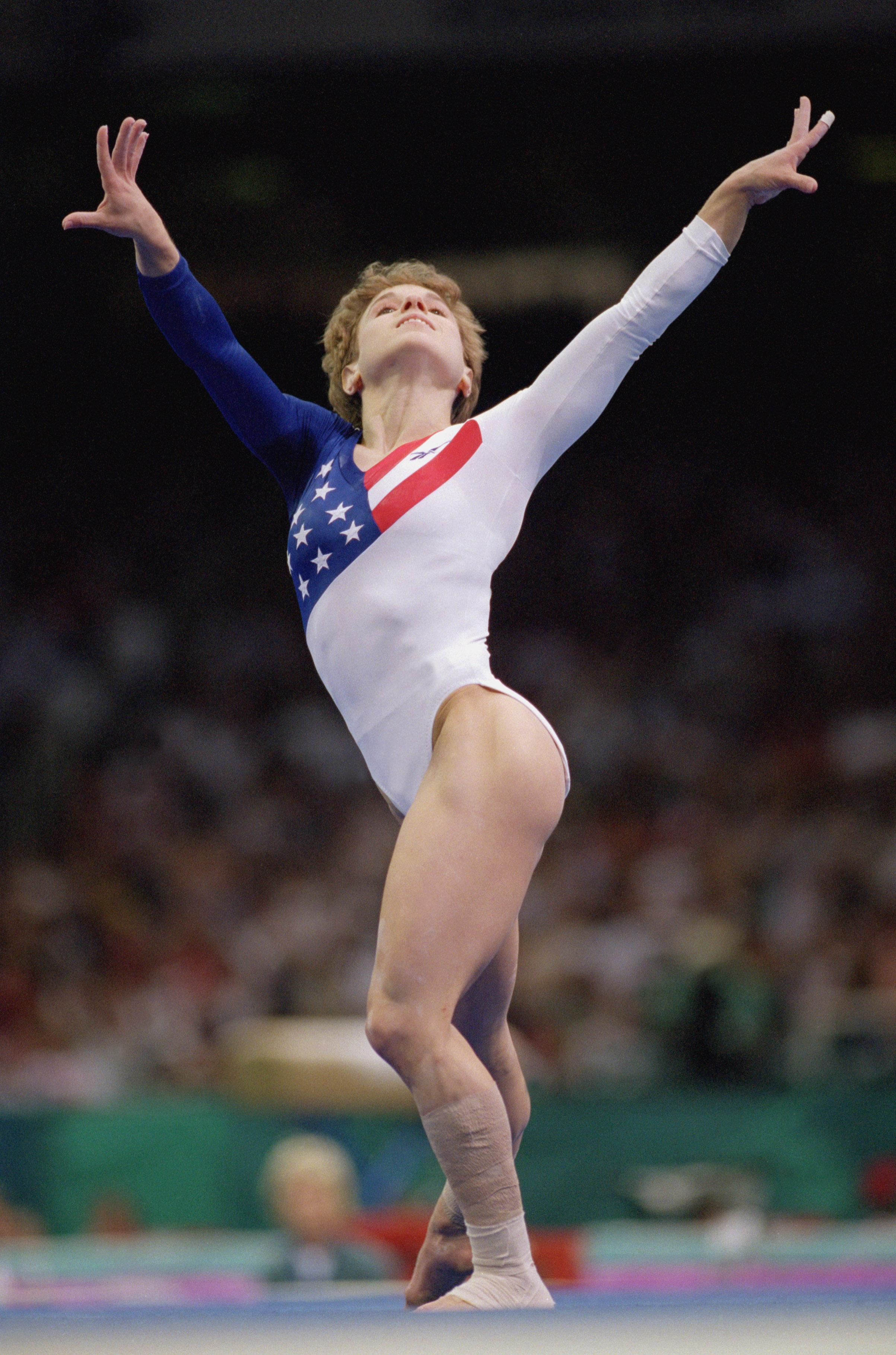 Kerri Strug poses during routine