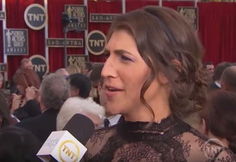 Actress and neuroscientist Mayim Bialik
