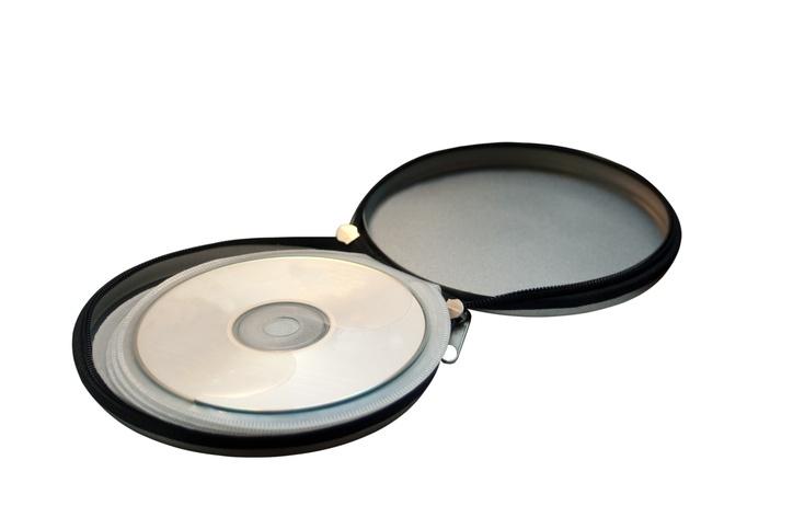 Open metal pocket for storing CD discs