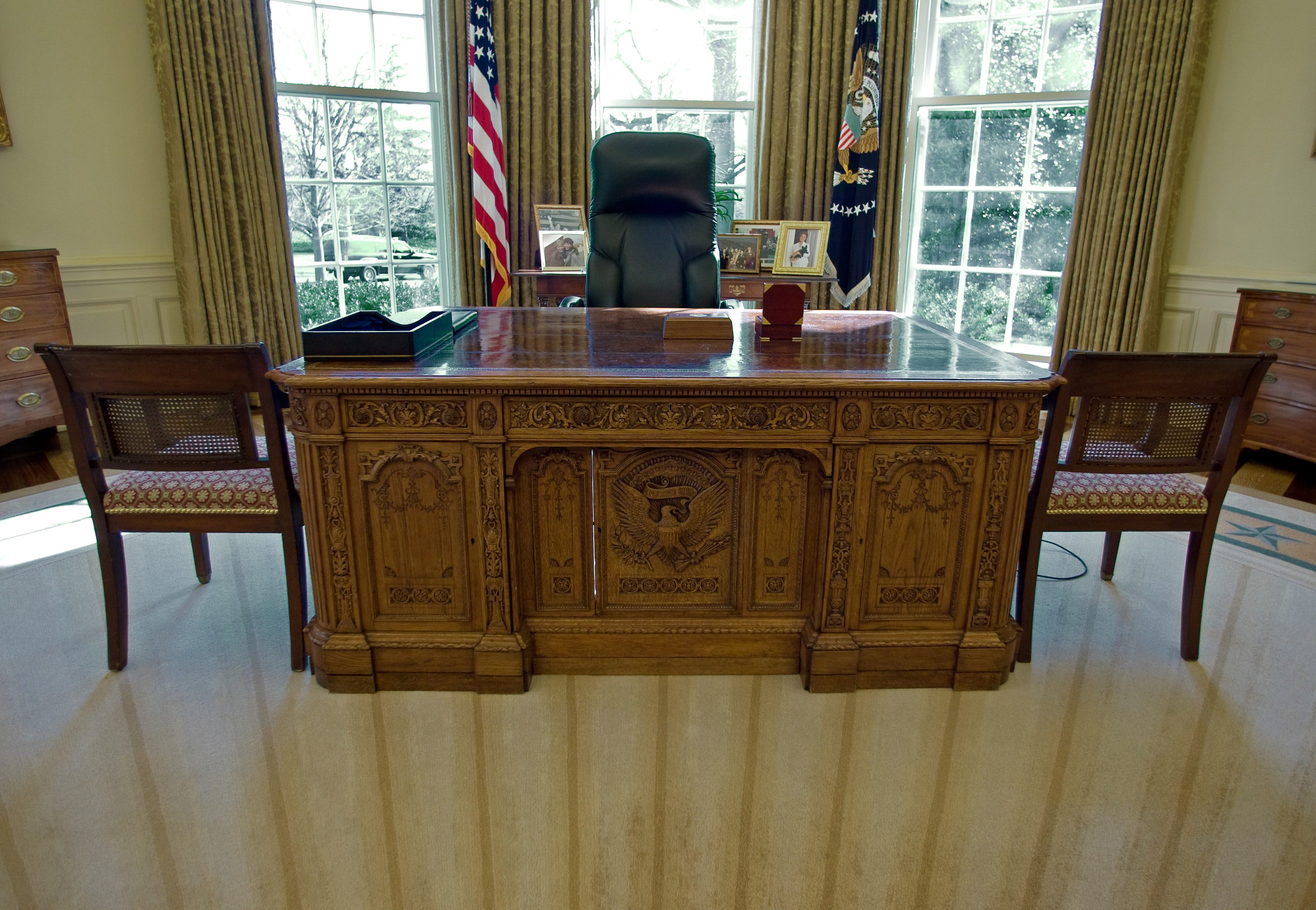 Desk in Oval office