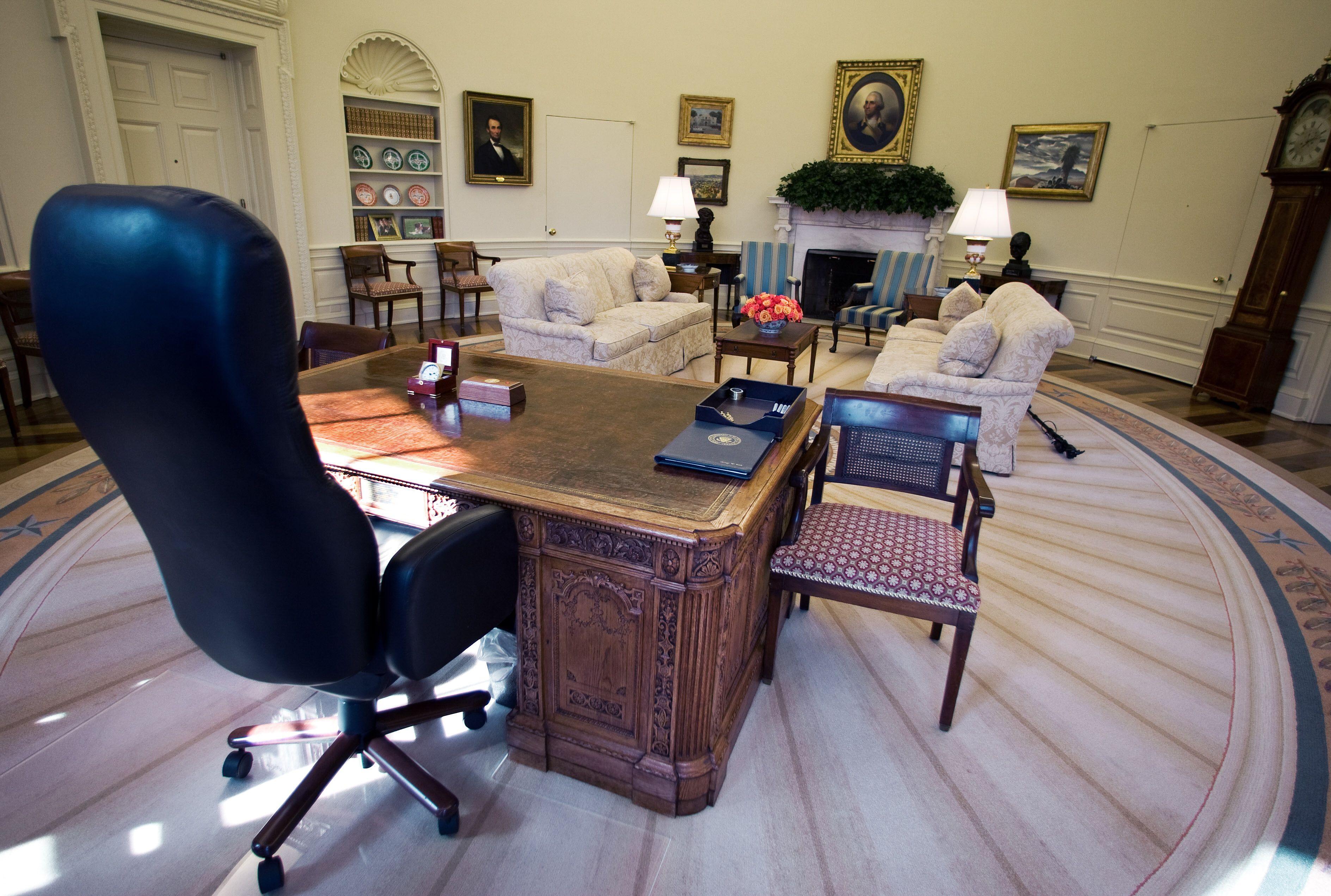 Desk in Oval office