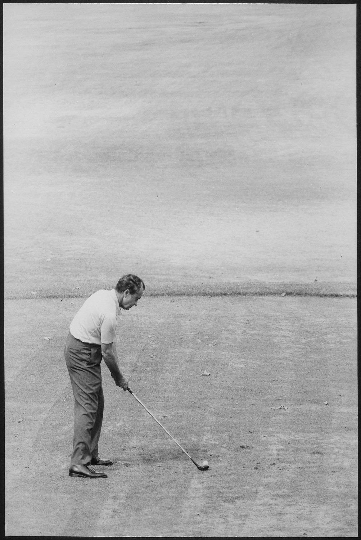 Richard Nixon golfing