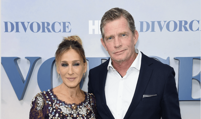 Sarah Jessica Parker and Thomas Haden Church posing together.