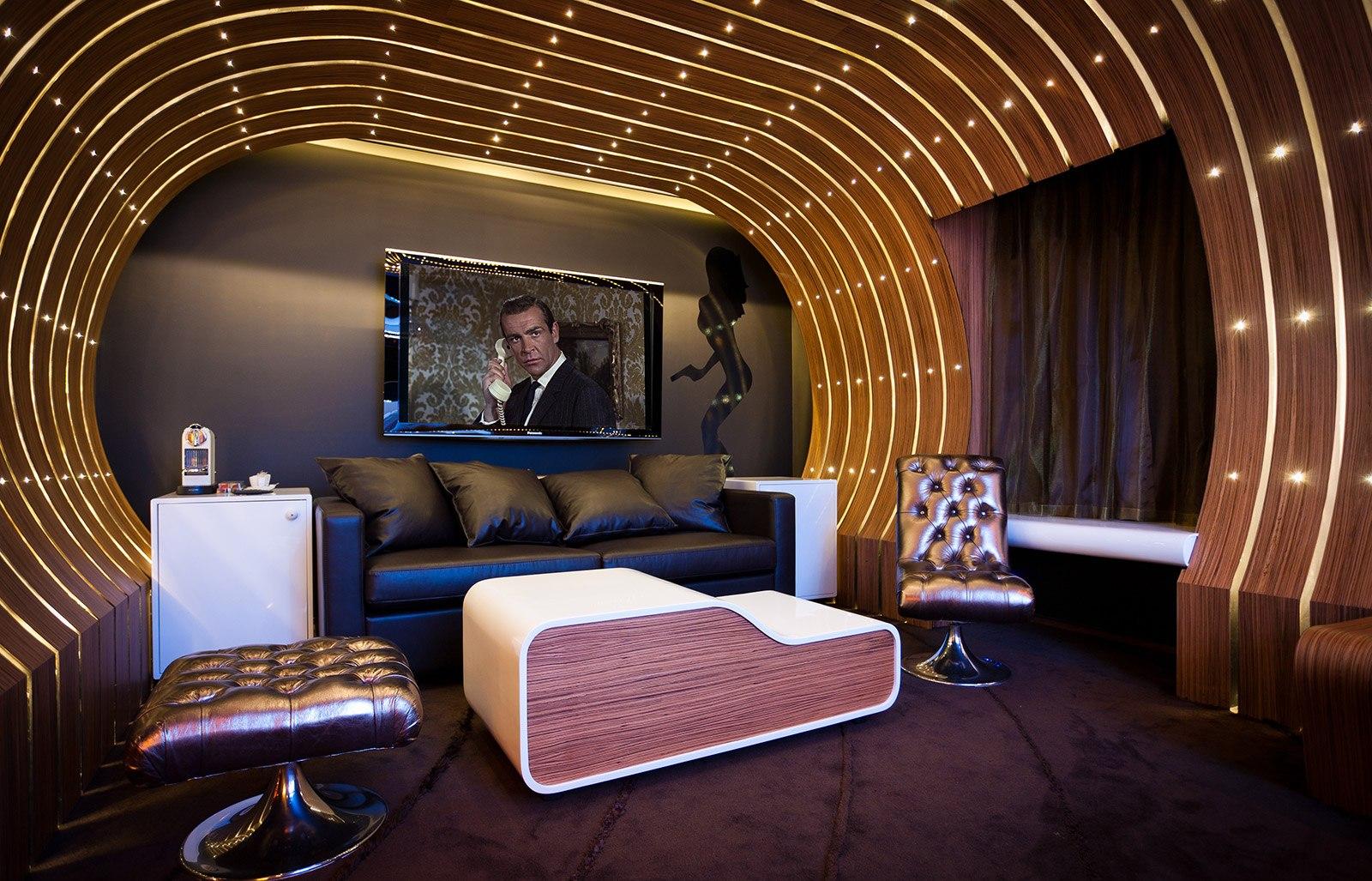 James Bond Themed Hotel Room In Paris