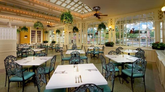 Tony's town square cafe restaurant disney