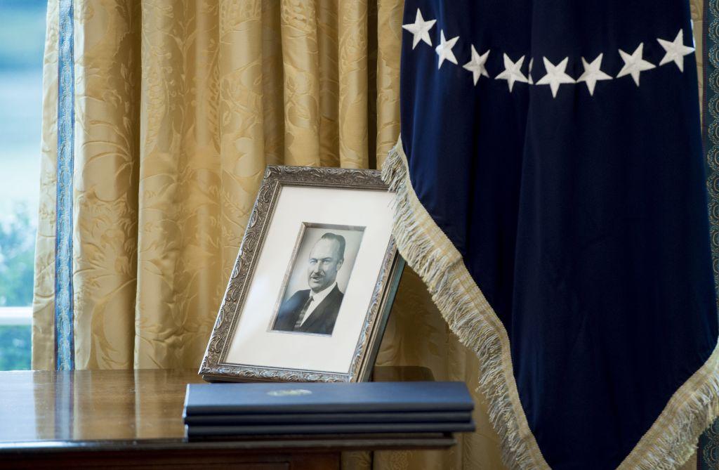 Fred trump in a photo on President Trump's desk