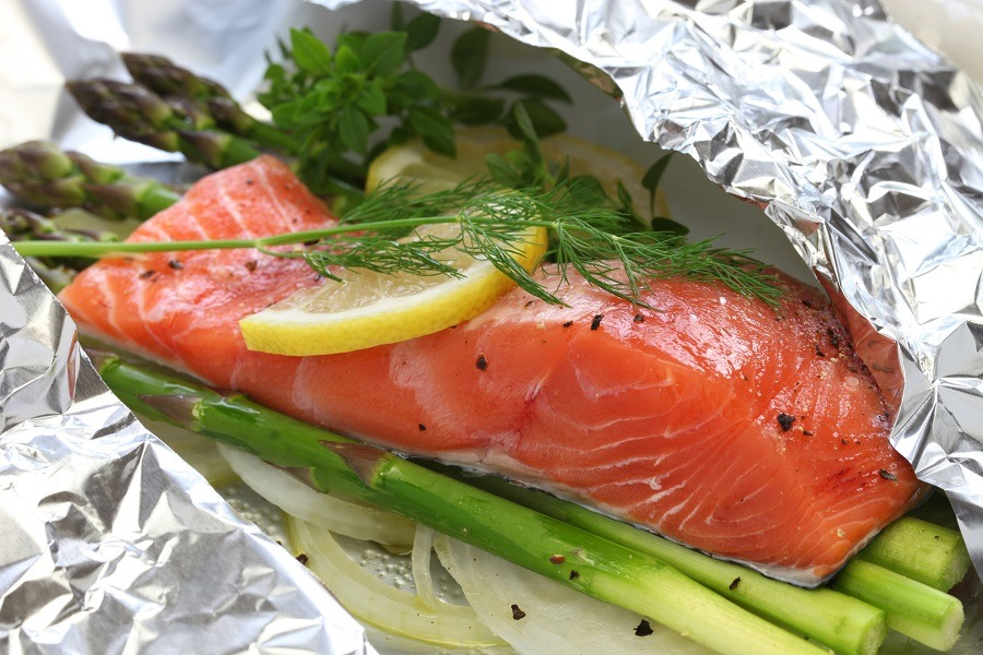 fresh salmon with asparagus