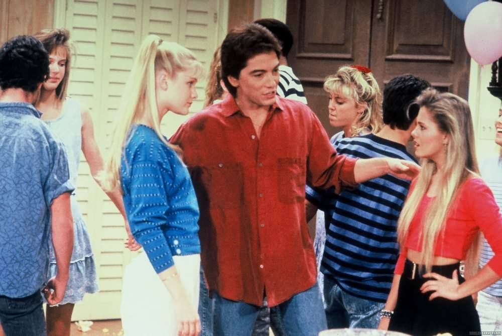 Sarah (Josie Davis), Charles (Scott Baio), and Jamie (Nicole Eggert) on Charles in Charge