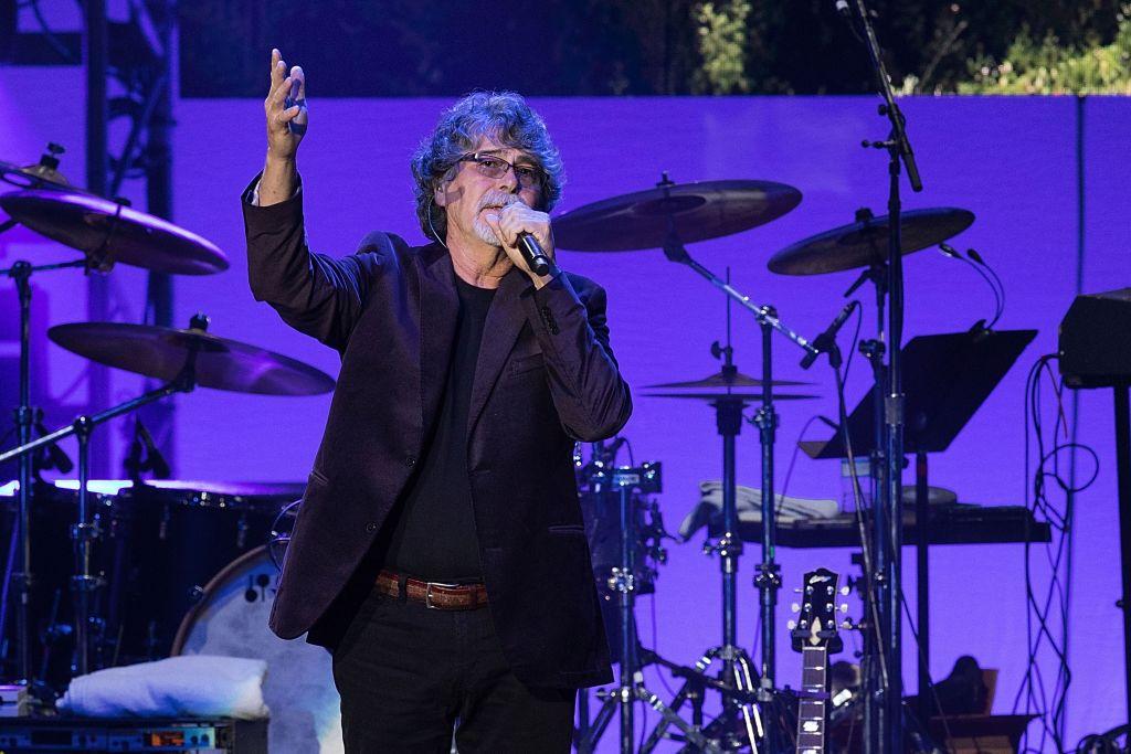 Randy Owen of Alabama performing