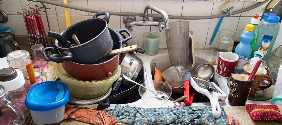 Pile of dirty utensils