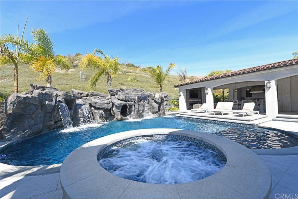 Flip or Flop El Moussa Home pool