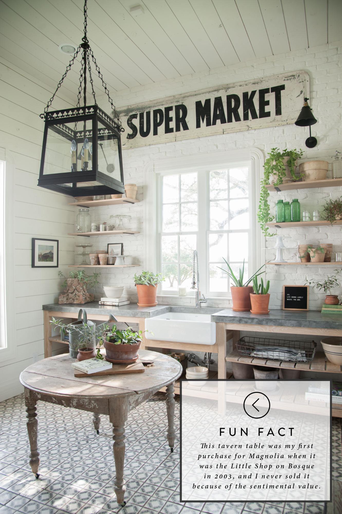 Fixer upper farmhouse laundry room 1