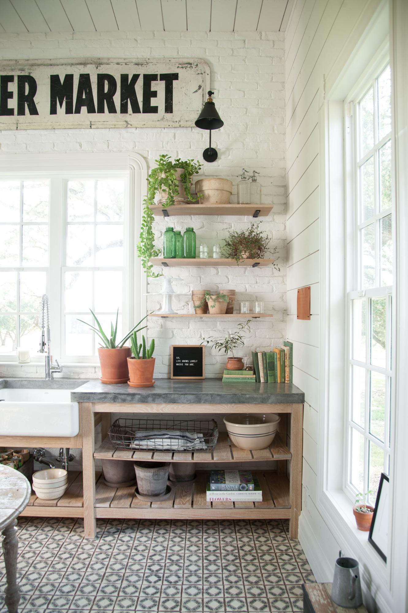 Fixer upper farmhouse laundry room