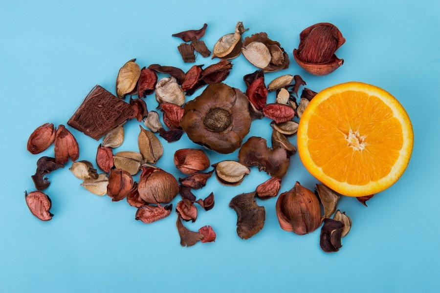 Fruits and dried flowers