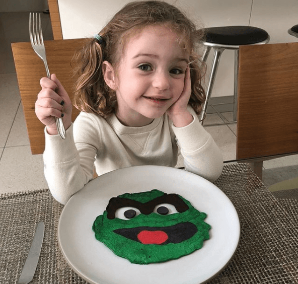 Grouch pancakes for Oscar Sunday