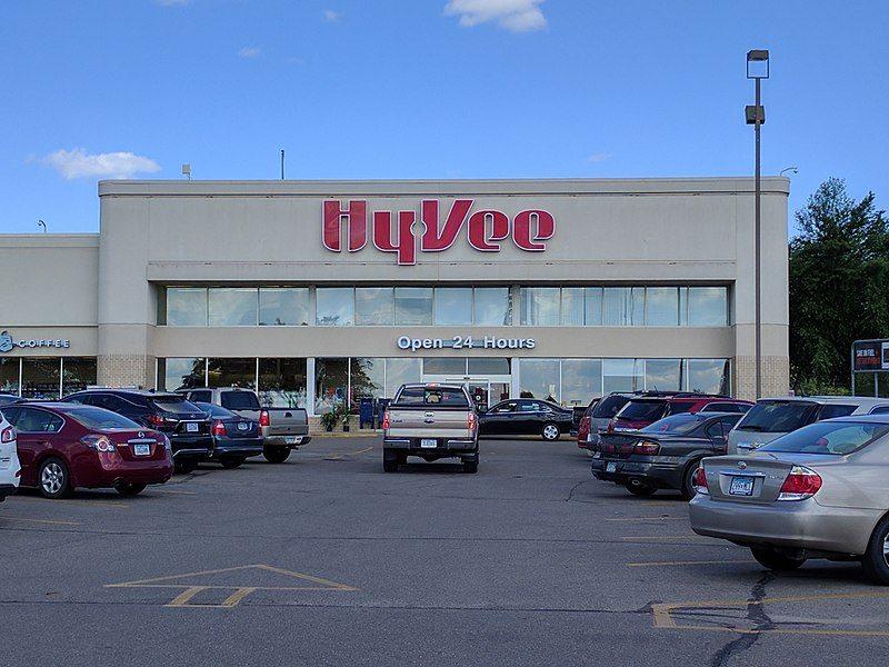 Hy-Vee grocery store