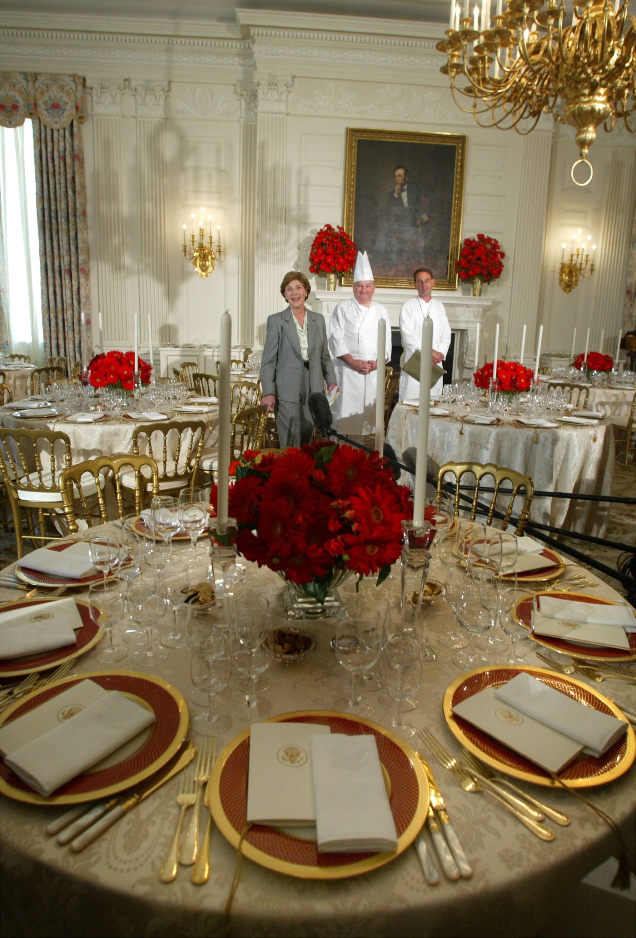 Laura Bush Shows State Dinning Room
