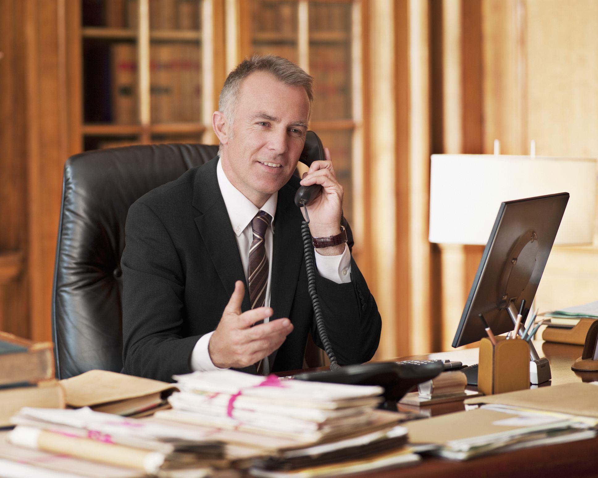 advisor on the phone