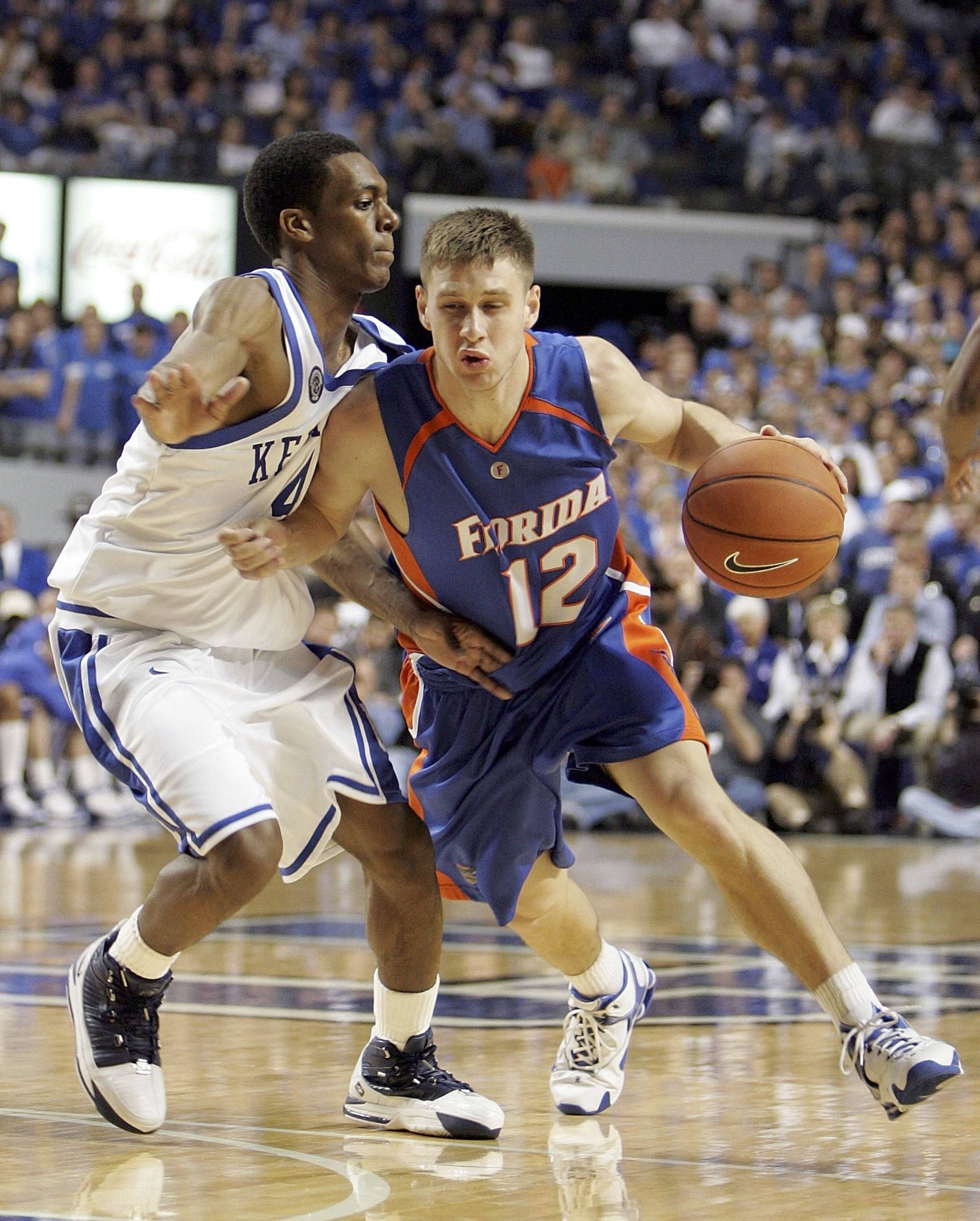 Lee Humphrey #11 of the Florida Gators dribbles the ball