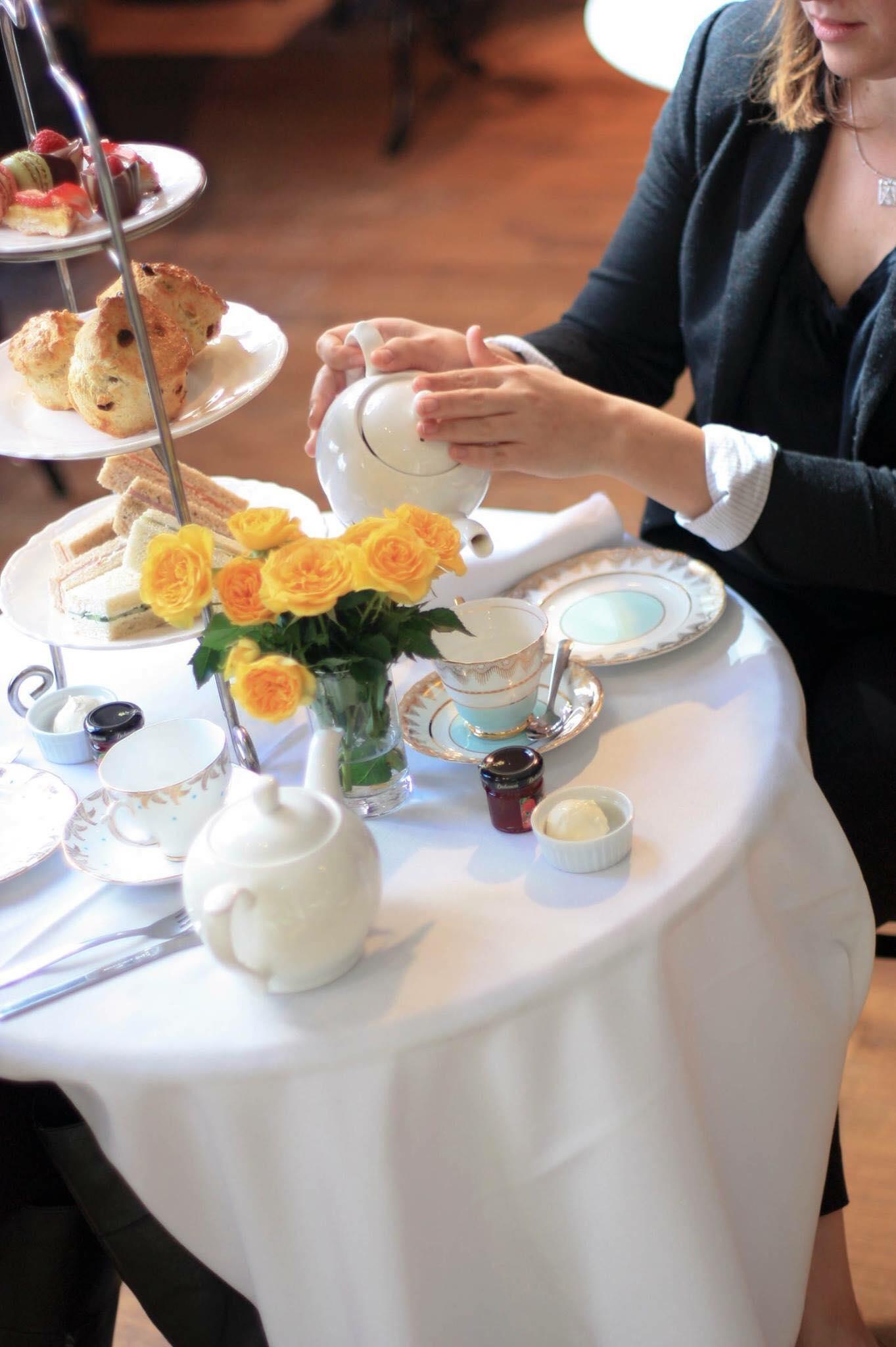 London tea room