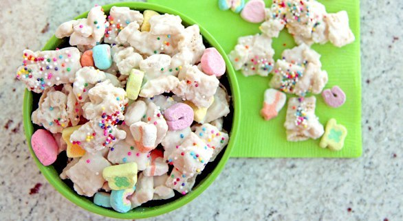 Lucky charms chex mix