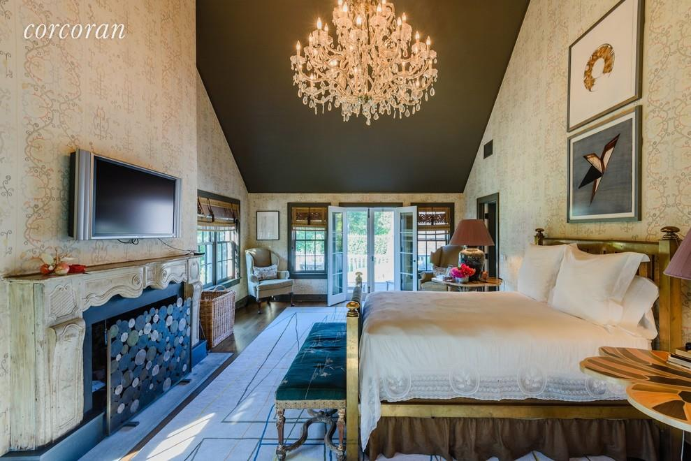 Matt Lauer house bedroom