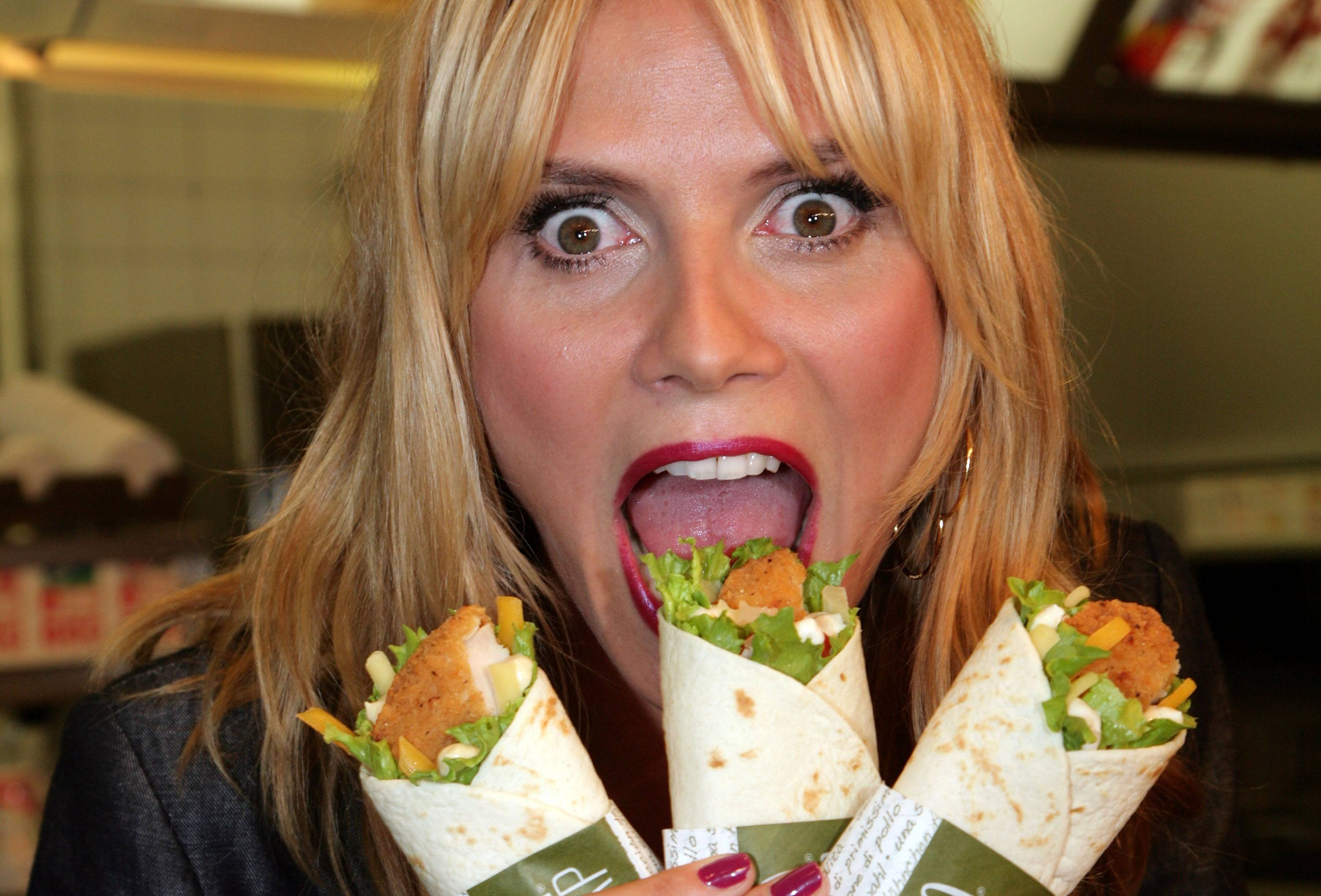 Heidi Klum with snack wraps