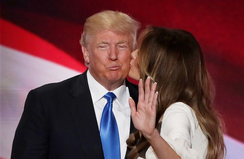 Melania Trump kissing Donald Trump on the cheek