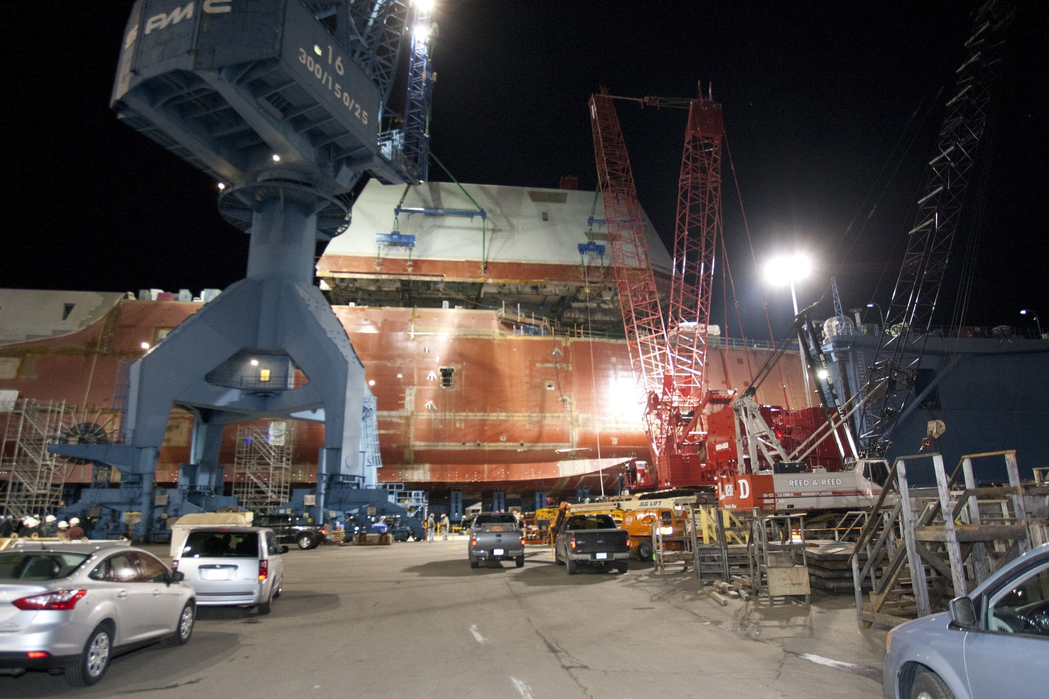The boathouse of USS Zumwalt is moved into position.