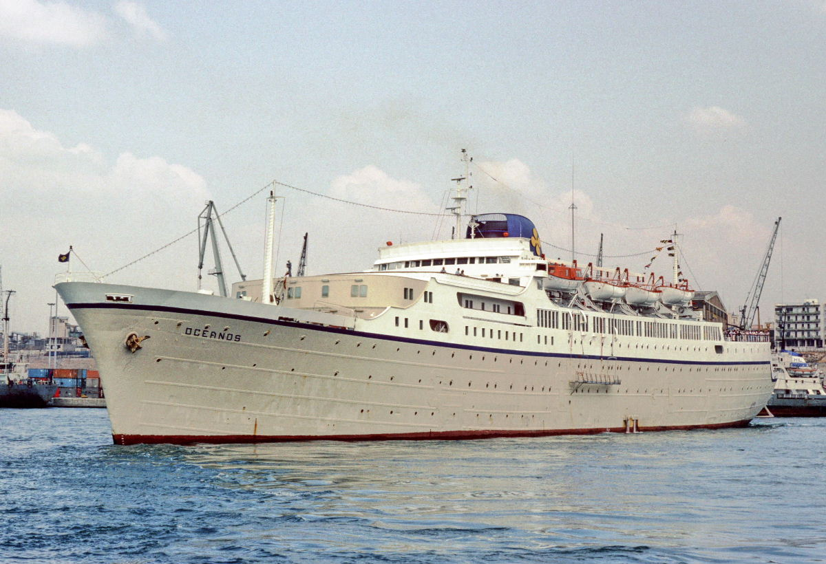 Oceanos ship