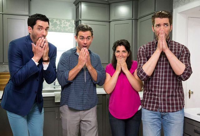 Drew and Jonathan Scott reacting with their clients.