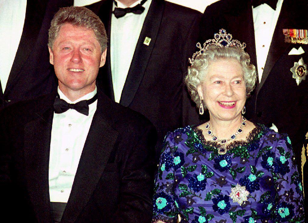 US President Bill Clinton and Britain's Queen Elizabeth II