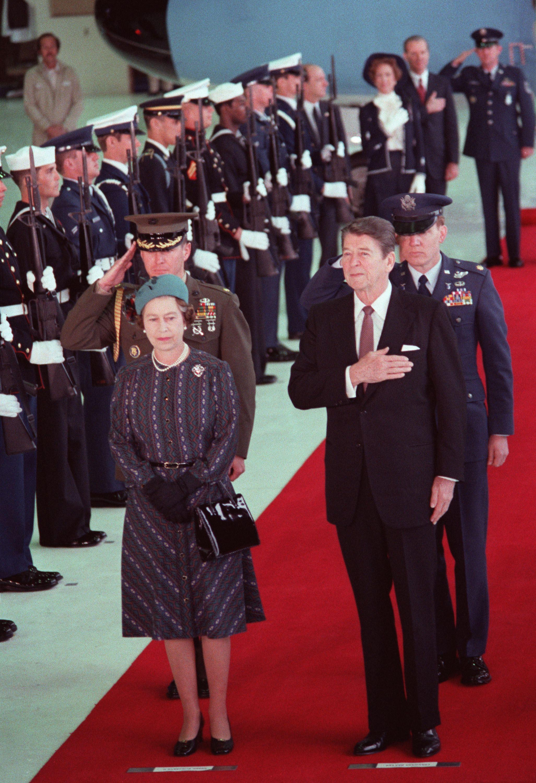 Queen Elizabeth II stands with President Ronald Reagan