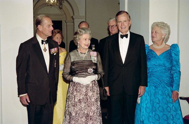 Queen Elizabeth meets George HW Bush