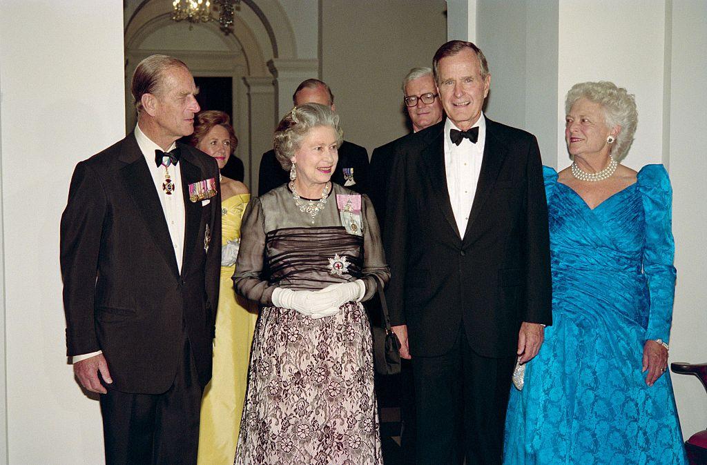 Queen Elizabeth meets George HW Bush