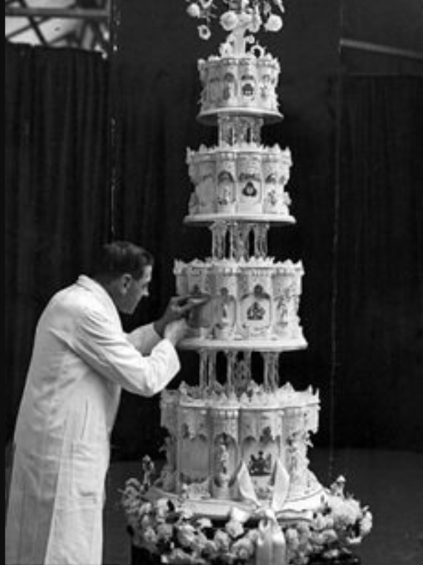 Queen Elizabeth wedding cake